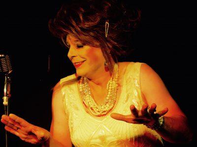 Travestie Show mit Hertha Ottilie van Amsterdam